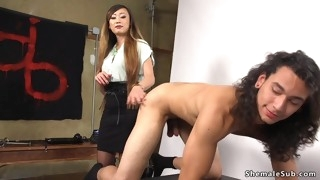 Tranny photographer sodomized fucks handsome model