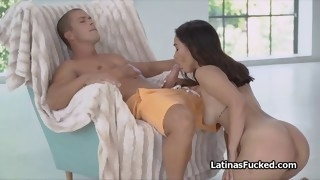 fantastic ass shaking latina pleases cock